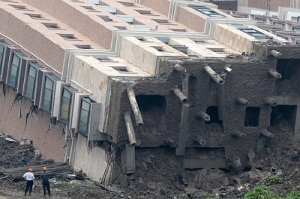 footings of building collapse
